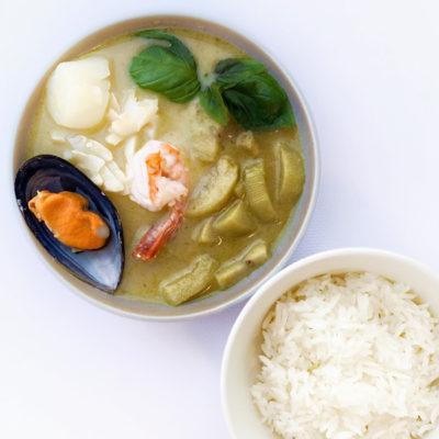 Зелений карі з морепродуктами/Ген Кеван Талей